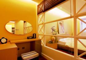 现代卧室隔断美图欣赏