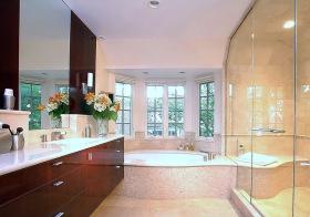 现代卫生间飘窗装修美图