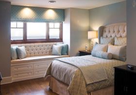 现代唯美卧室飘窗设计