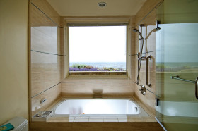 现代卫生间飘窗设计