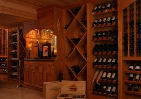 典雅木质酒柜设计