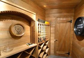 清新木质酒柜设计