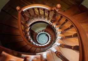 复古美式风格楼梯装修效果图