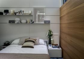 现代卧室木质隔断设计