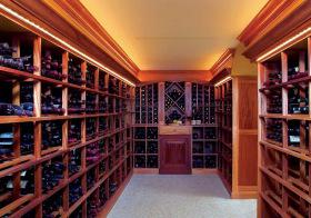 现代风木质酒柜装修美图