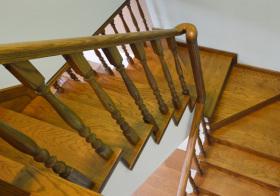 唯美田园风格楼梯装修设计