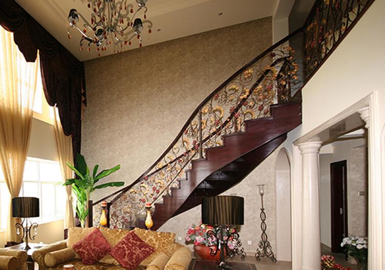 奢华欧式风格楼梯装修效果图