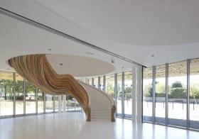 抽象现代的图案的楼梯美图