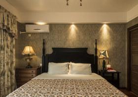 清幽简欧卧室背景墙设计