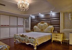 优雅欧式卧室背景墙设计