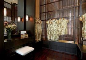 古色古香中式衣帽间设计