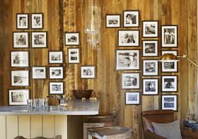 原木简约风照片墙设计