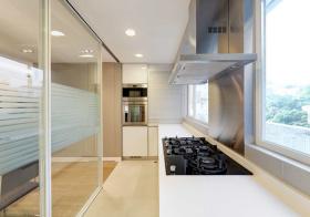 现代厨房玻璃移门隔断