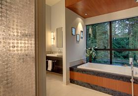 现代卫生间玻璃隔断