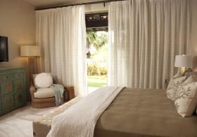 卧室横条型窗帘设计美图