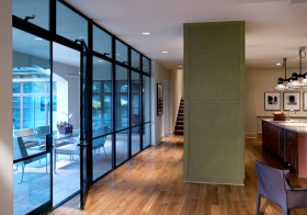 现代蓝色玻璃门隔断设计