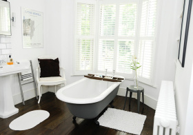 卫生间白色飘窗设计美图