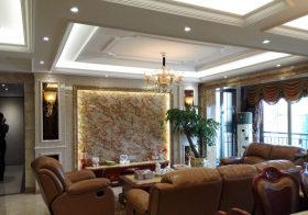 白色欧式客厅吊顶设计