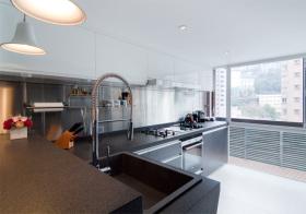现代简约风格厨房装修效果