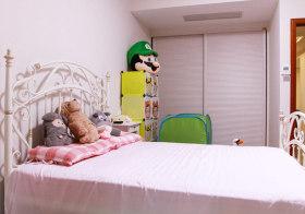 明亮简约儿童房设计