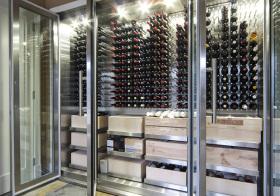 现代华丽型酒柜装修设计