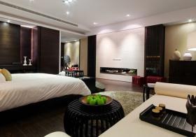 现代卧室榻榻米装修美图