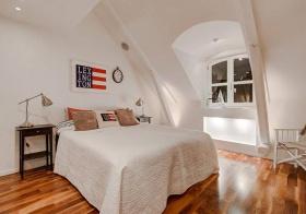 阁楼简约风格卧室装修设计