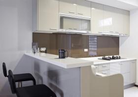 现代简约风格厨房装修效果图片