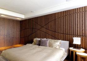 木质竖纹中式卧室背景墙设计