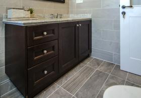 冷色现代浴室柜设计