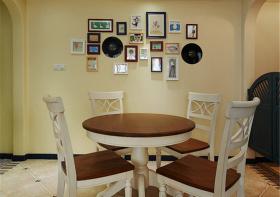 暖色美式照片墙设计