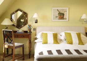暖黄美式卧室欣赏美图