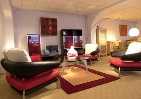 时尚红简约客厅设计欣赏