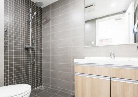 黑灰现代感浴室设计图