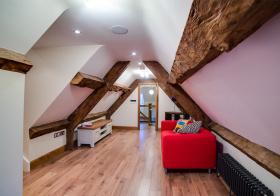 实木混搭阁楼装修设计