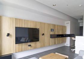 实木简约客厅背景墙设计