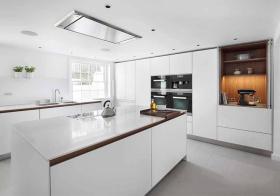 纯白简约厨房装修设计