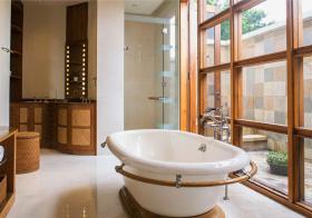 清爽东南亚浴室装修设计
