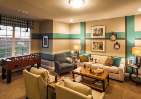 多彩混搭客厅装修设计