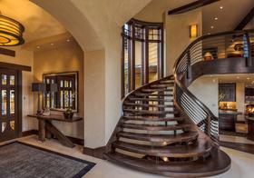 华丽美式转角楼梯设计