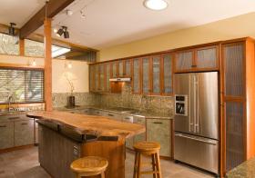 实木日式厨房吧台设计
