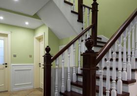 经典美式转角楼梯设计