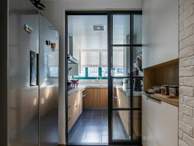 简约原木厨房隔断设计效果图