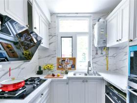 白色简欧小清新明亮色系厨房设计