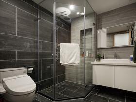 黑白色系简致卫生间设计
