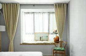 简约原木风卧室小飘窗装修设计