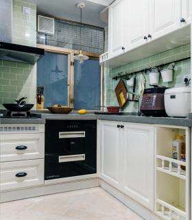 北欧薄荷色直角厨房设计