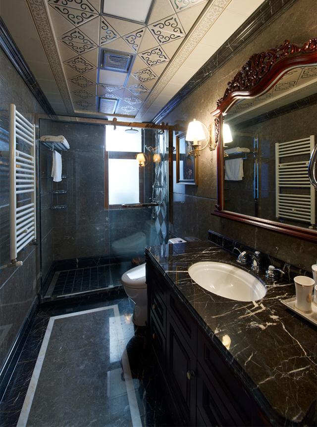 黑色调的卫生间酷感十足!