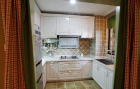 小户型温馨可爱厨房装修设计
