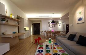 原木日式简约客厅设计